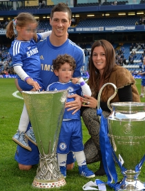 Fernando Torres y su simpática novia de toda la vida, Olalla Domínguez