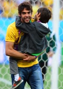 Kaká no se quiso perder el primer partido del Mundial 2014