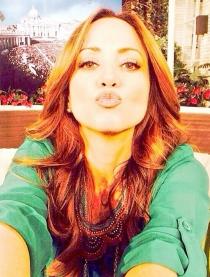 Andrea Legarreta, tan profesional como guapa