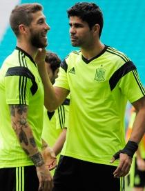 Sergio Ramos y Diego Costa bromean durante un entrenamiento