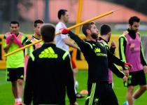Sergio Ramos se divierte durante un entrenamiento
