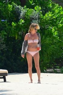 La modelo Kate Moss de vacaciones en el Caribe