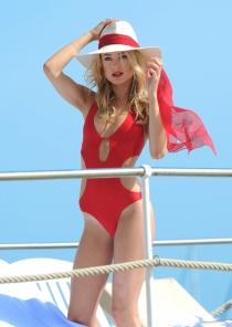 Kimberley Garner de vacaciones en Cannes