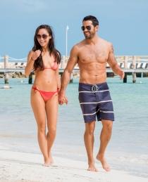 La pareja de actores Jesse Metcalfe y Cara Santana de vacaciones en Méjico