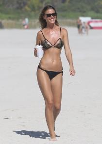 La modelo Olga Kent de vacaciones en Miami