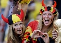 Los diablesas de Bélgica calientan las gradas de Brasil