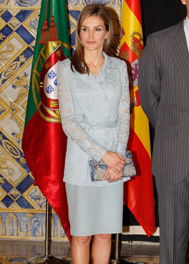 El look de Letizia en su primer viaje a Portugal como reina