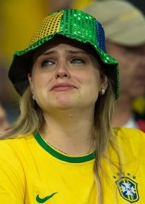 Los aficionados brasileños, sin consuelo tras caer del Mundial 2014
