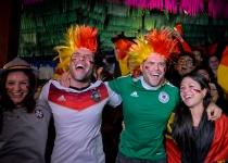 Los hinchas alemanes celebraron por todo lo alto la clasificación de su equipo para la final