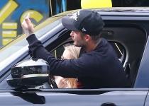 David Beckham le dedico una desagradable peineta a los paparazzi