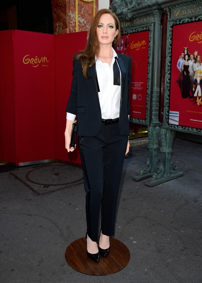 Angelina Jolie, sexy hasta de cera