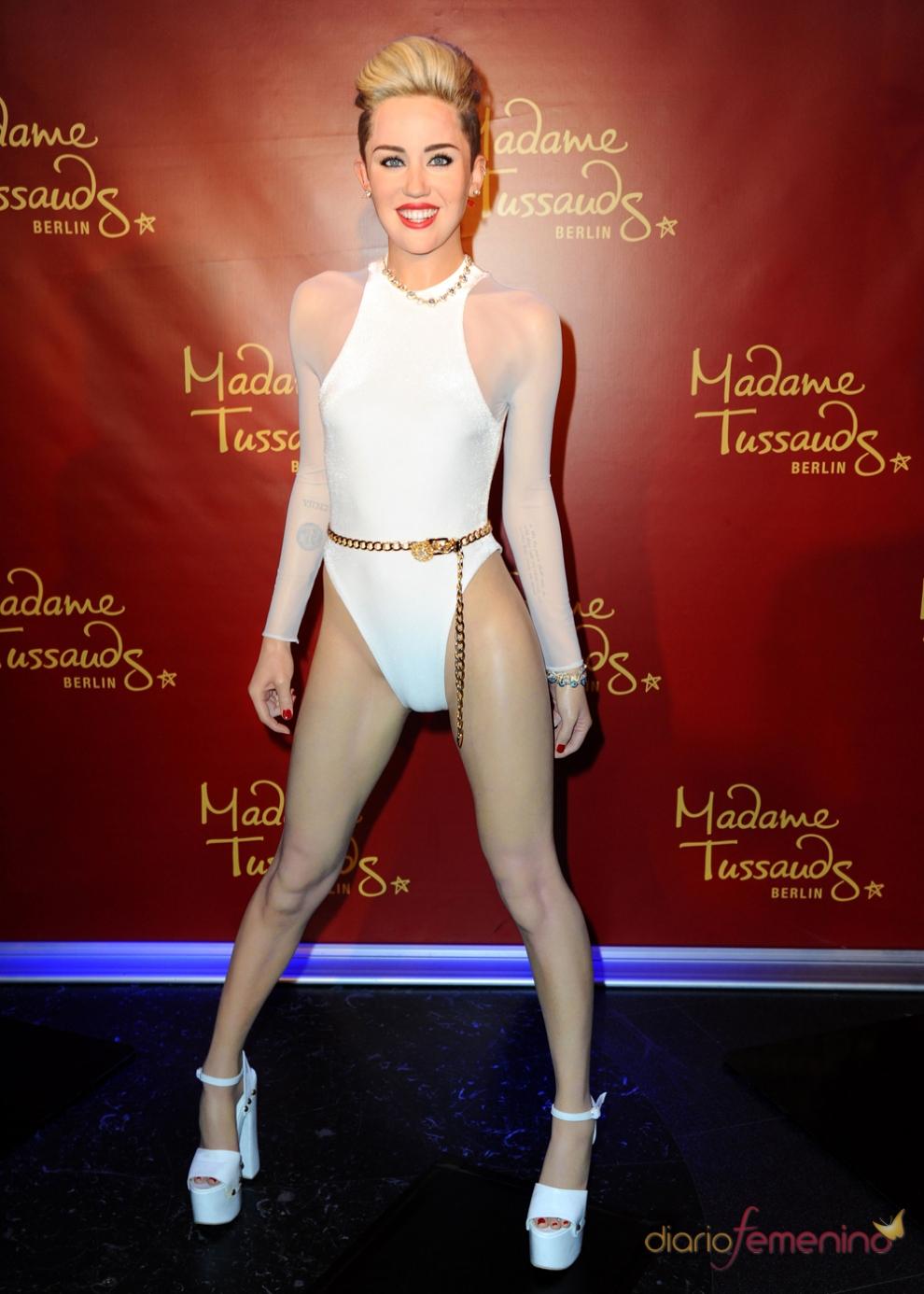 La figura de cera de Miley Cyrus, demasiado recatada comparada con la original