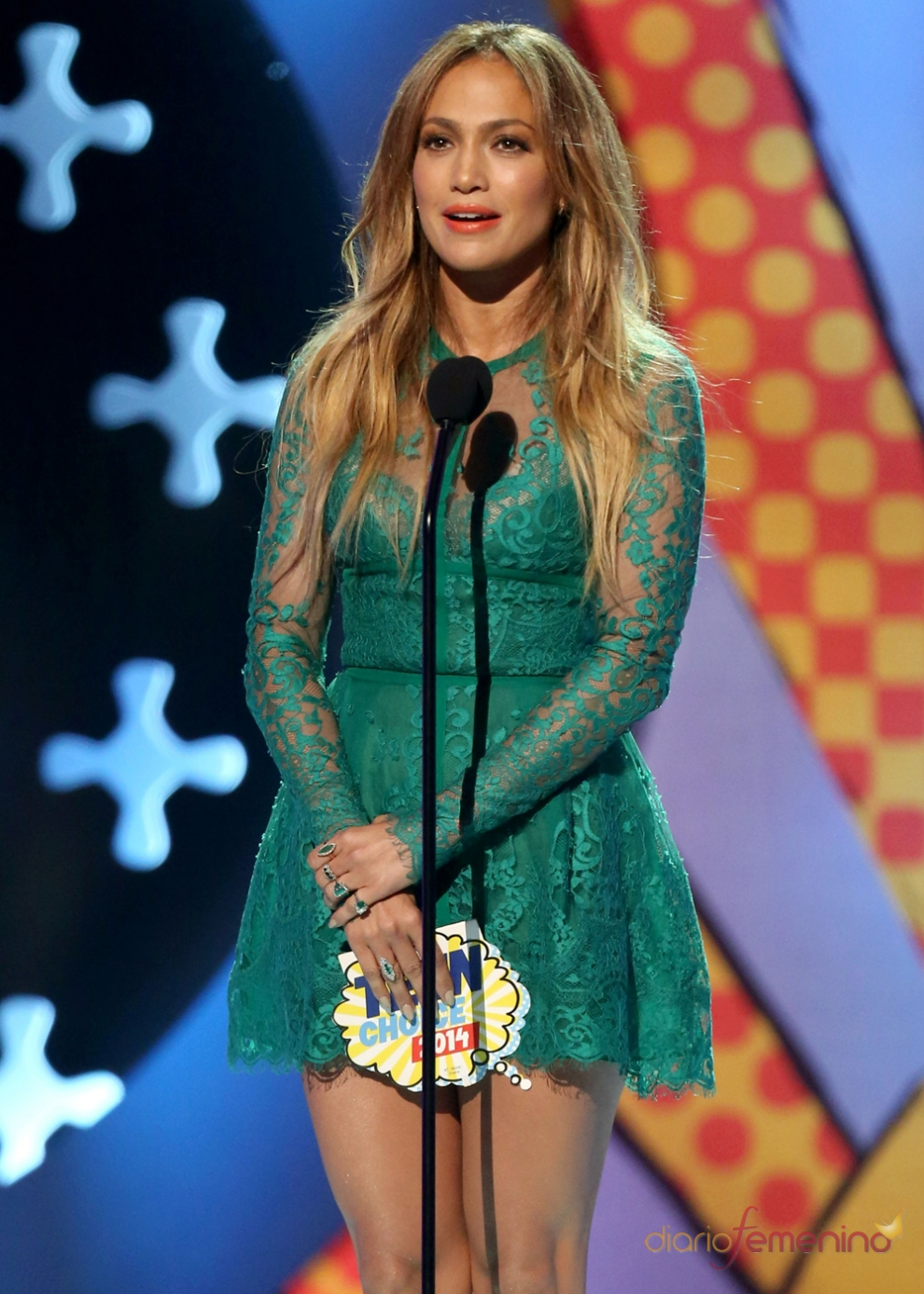Jennifer Lopez, demasiado juvenil en los Teen Choice Awards 2014