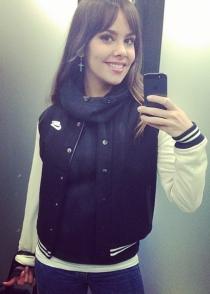 La guapísima Cristina Pedroche presume de iPhone y de belleza