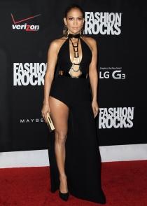 Jennifer Lopez eligió un look de lo más sensual en los Fashion Rocks 2014