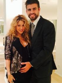 Shakira presume de segundo embarazo junto a Piqué