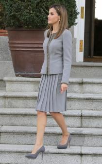 El look de Letizia para recibir a la presidenta de Chile