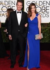 Globos de Oro 2015: Cindy Crawford y su vestido azul klein