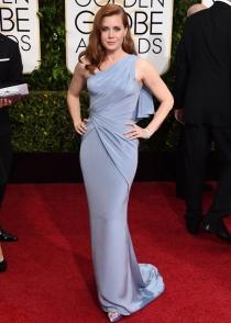 Amy Adams escogió un Versace para los Globos de Oro 2015