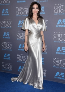 Angelina Jolie, espectacular en los Critic's Choice Movie Awards