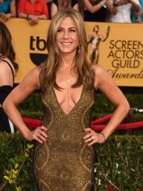 Jennifer Aniston, con un escote espectacular en los SAG Awards 2015