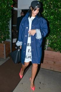 Rihanna y su look descuidado pero chic