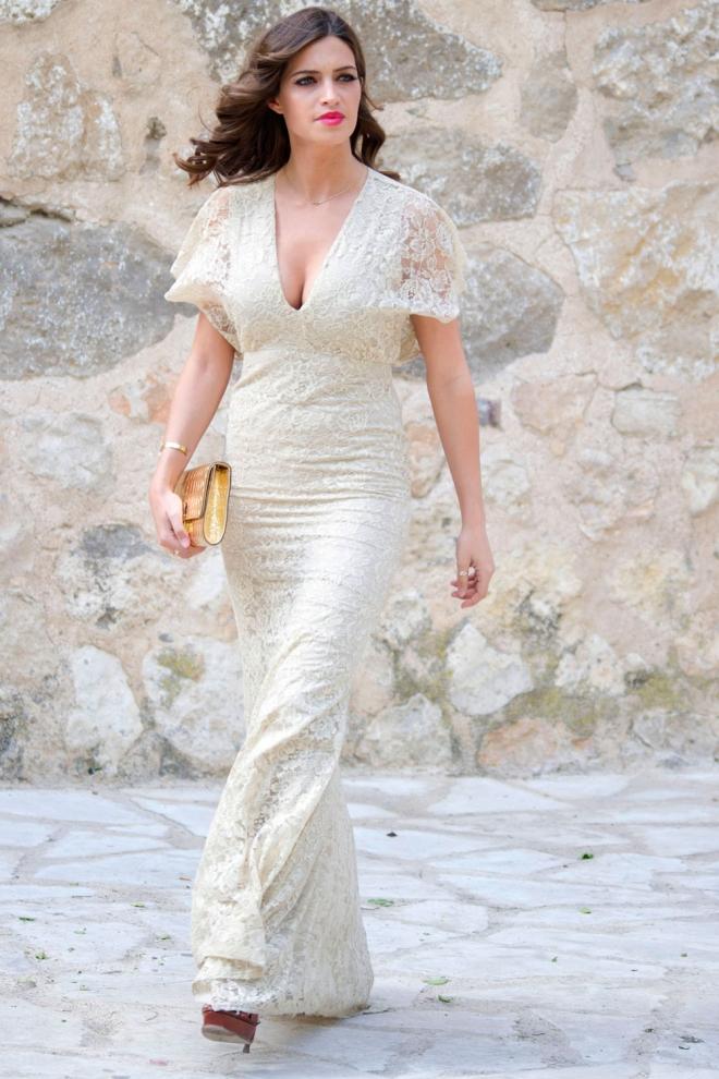 sara carbonero, la elegancia de la novia de iker casillas
