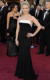Reese Whiterspoon, elegancia de Giorgio Armani Privé