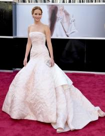 Jennifer Lawrence y su maravilloso Dior Couture en los Oscar