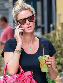Niky Hilton, la hermana de Paris Hilton que es una famosa detox
