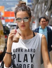 Alessandra Ambrosio, un ángel de Victoria's Secret muy detox