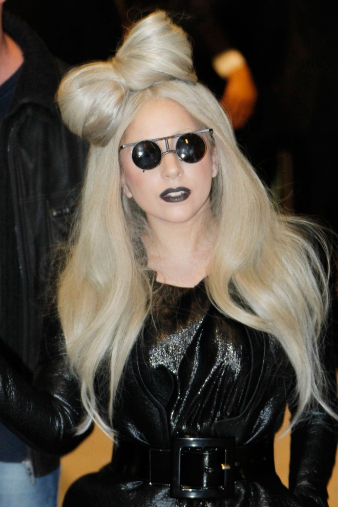 Lady gaga la m s original luce los peinados m s famosos - Peinados de famosos ...