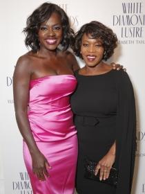 Viola Davis y Alfre Woodard, muy guapas en la fiesta pre Oscars 2015