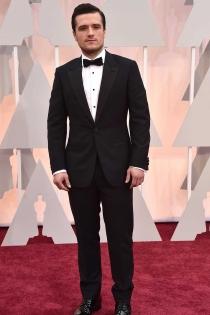 Josh Hutcherson muy guapo en los Oscars 2015