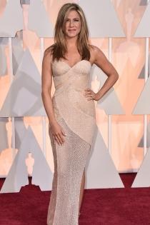 Oscars 2015: Jennifer Aniston apuesta por Versace