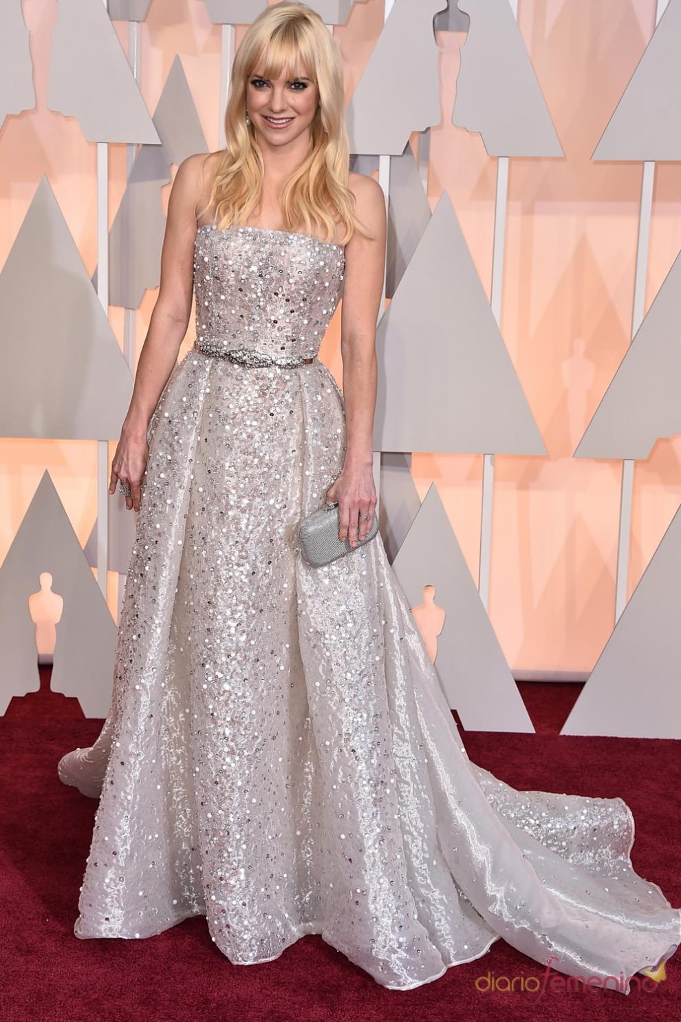 Oscars 2015 Anna Faris Apuesta Por El Brillo