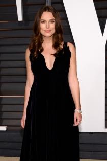 Oscars 2015: Keira Knightley se cambió en la fiesta de Vanity Fair.