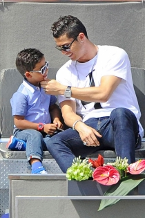 Cristiano Ronaldo, padre y amante