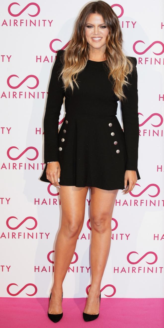 Khloé Kardashian también es una fan de los vestidos cortos