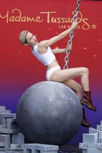 La polémica imagen de Miley Cyrus en cera