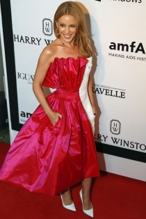 Kylie Minogue, una princesa en la gala amfAR