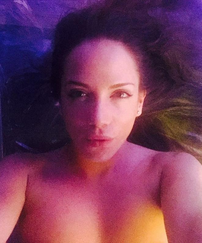 selfie caliente
