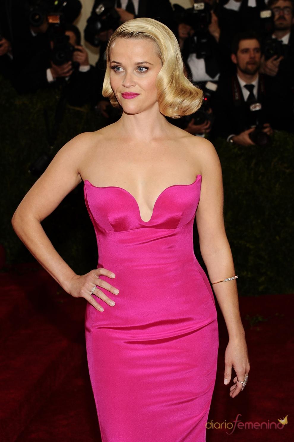 Reese Witherspoon, dama de rosa en el MET