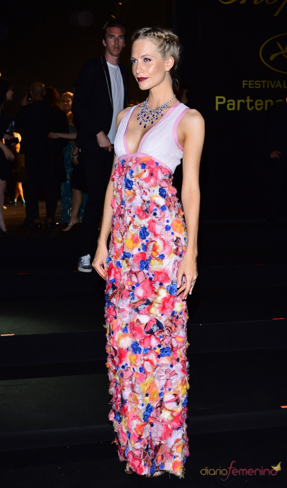 Fiesta de Chopard: el vestido de flores de Poppy Delevingne