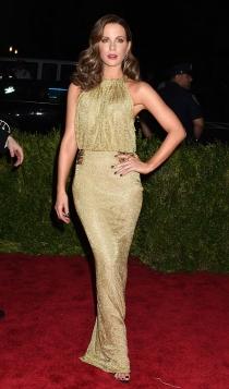 Vestidos dorados: Kate Beckinsale, la más trendy