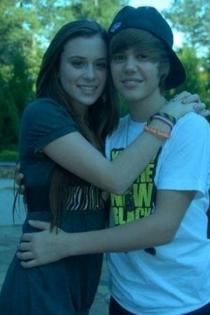 Caitlin Beadles, la primera novia de Justin Bieber