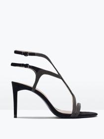 Sandalias con tacón: la sofisticación del verano