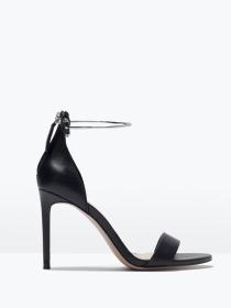 Sandalias negras: el calzado de sofisticación de Zara