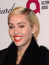 Miley Cyrus y su corte de pelo pixie