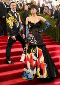 Katy Perry, vestida de Moschino para la MET Gala 2015